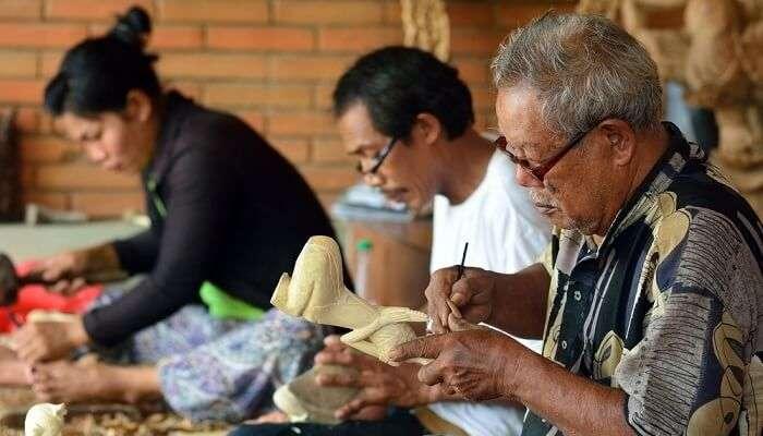 Woodcarvers Bali