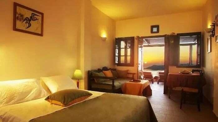 standard rooms at Dana Villas