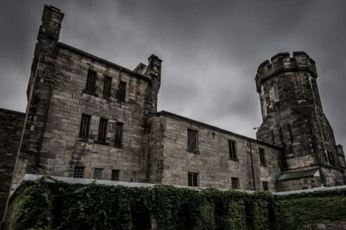 The eerie building of the Eastern State Penitentiary in Pennsylvania