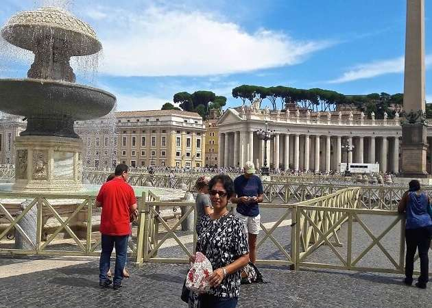 Walking around St Peter's Square