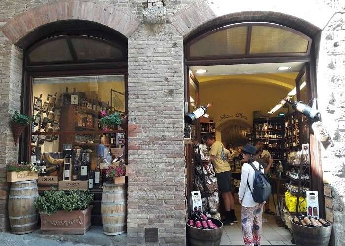 Shopping local in Tuscany