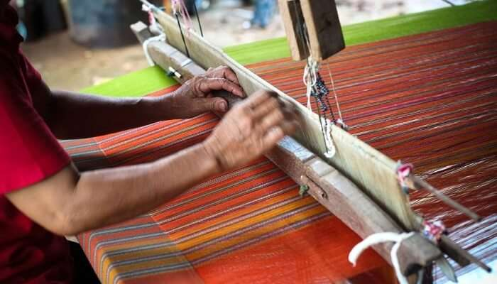 Weaving at Sidemen Valley