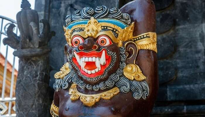 Guard statue Dvarapala, Bali