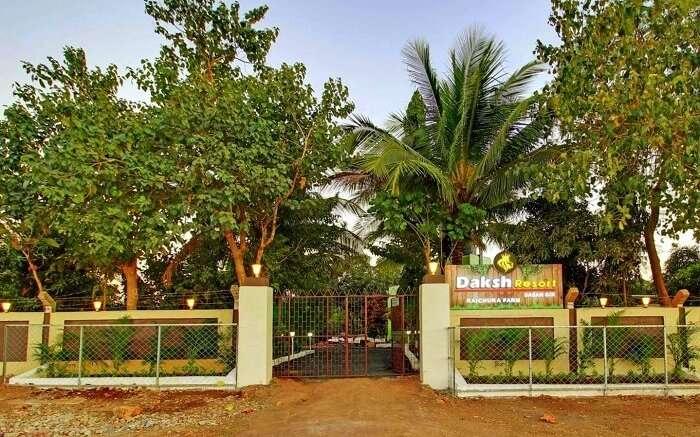 entrance to daksh resort