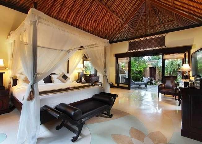 opulent bedroom in Furama Villas