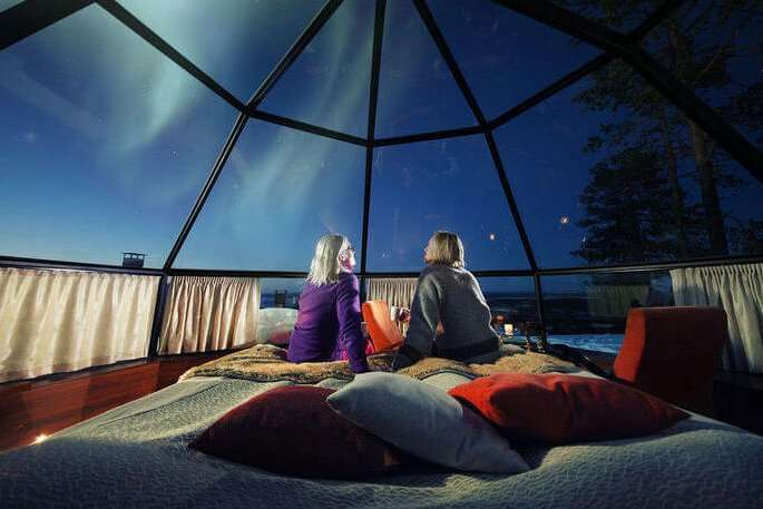 glass igloo stay - Kakslauttanen Arctic Resort East Village