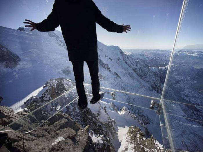 Glass Cage with floating-over-nothing experience in French Alps