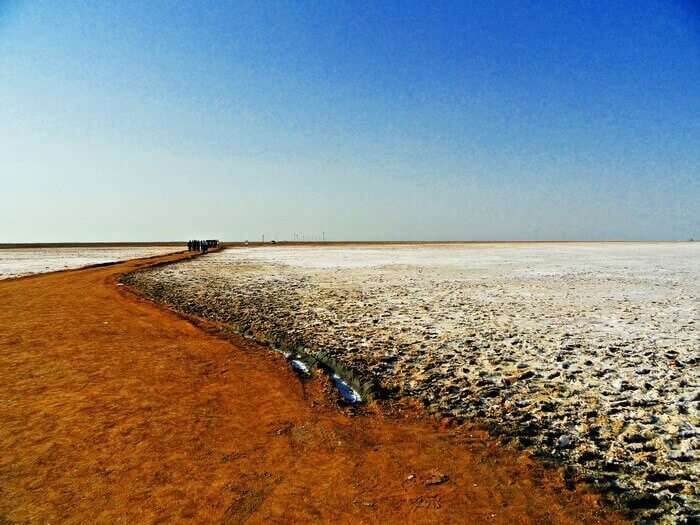 Horizon over the white sands in Rann of Kutch
