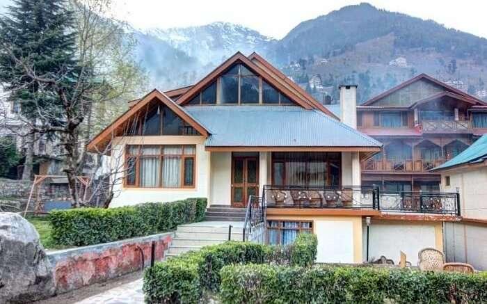 Himkund Cottages