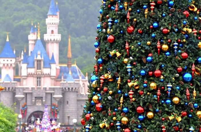 Hong Kongs Disneyland gearing up for Christmas
