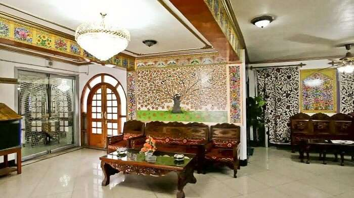 The mesmerizingly rich decor of Hotel Centre Point in Srinagar