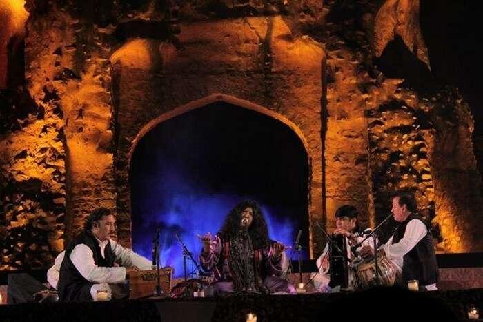 Abida Parveen performing at Old Fort during Jashn-e-Khusrau