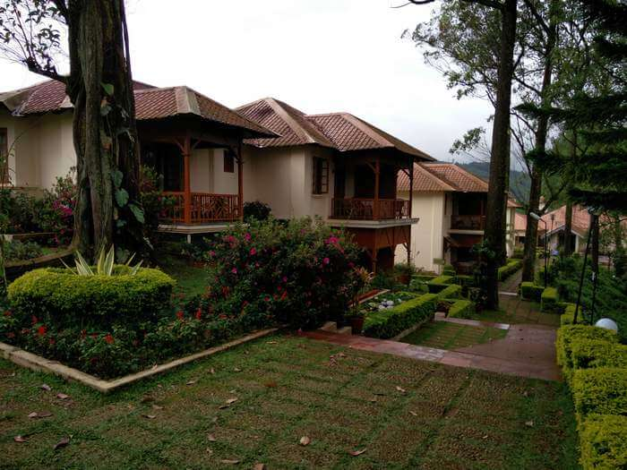The cottages of KTDC Tea County in Ikka Nagar