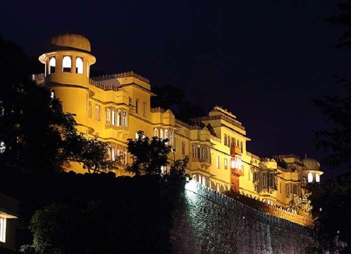 The Kumbhalgarh Villas is one of the most royal hotels in Kumbhalgarh
