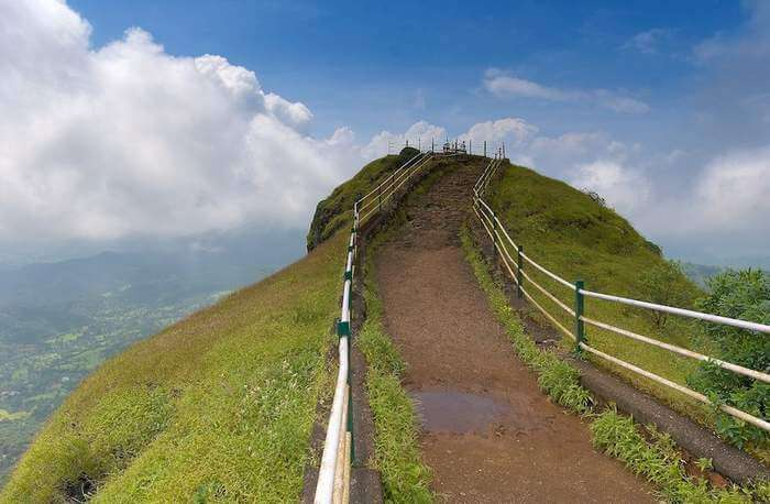 Lodwick Point is one of the best places to visit in Mahabaleshwar to have fun with your gang of friends