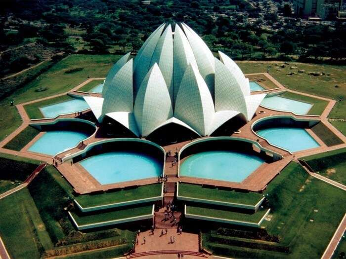 Lotus Temple organises planned meditation sessions for free