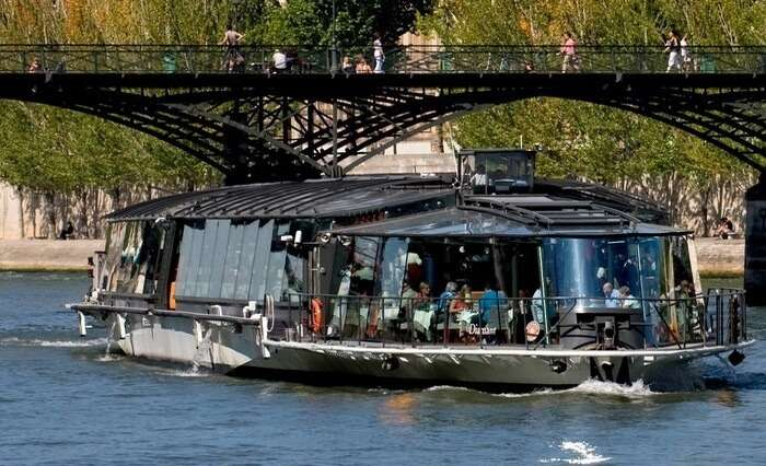 Lunch on cruise by Bateaux Parisiens in Paris