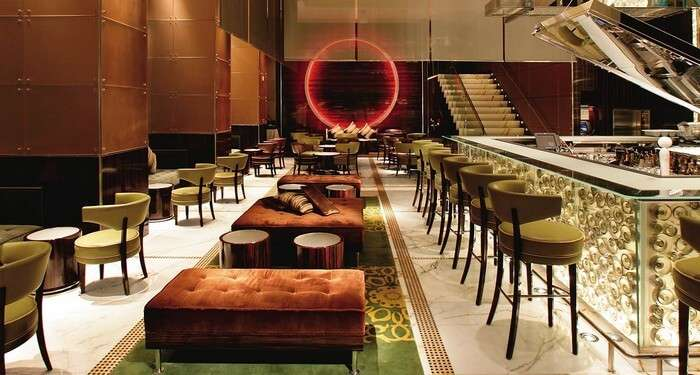 The Mo bar is one of the most luxurious bars accessible to the visitors of Hong Kong nightlife