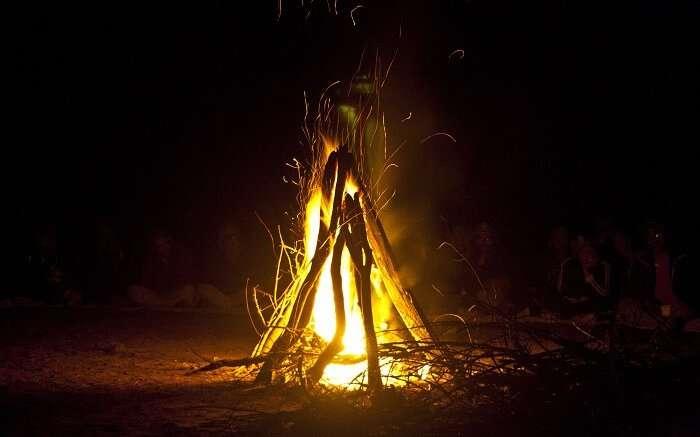 Manali Sunrise Cottage bonfire