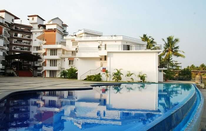 Mermaid Hotel is considered to be the most tranquil of the lot of budget hotels in Cochin