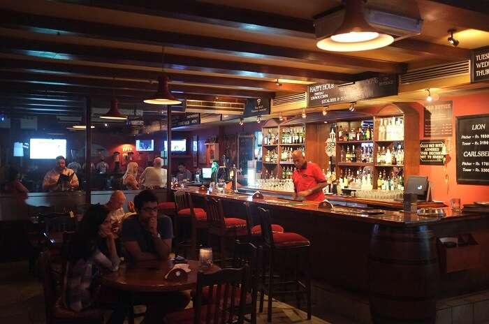 Molly's Pub - The only Irish counterpart in the compilation of places for nightlife in Colombo