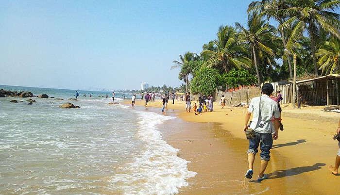 Mt Lavinia Beach in Colombo
