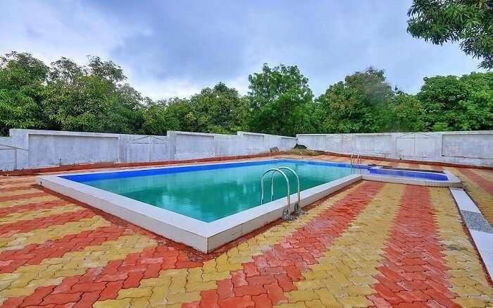 gir garden resort pool