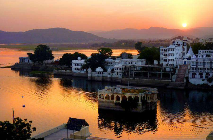 Udaipur-Llake-TravelTriangle