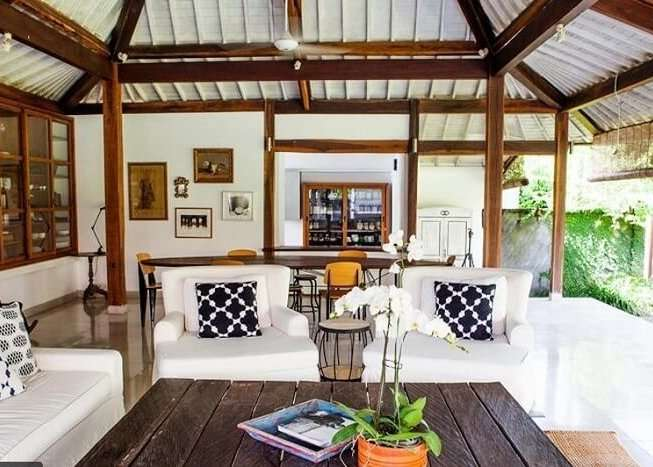 dining area in villa padawan