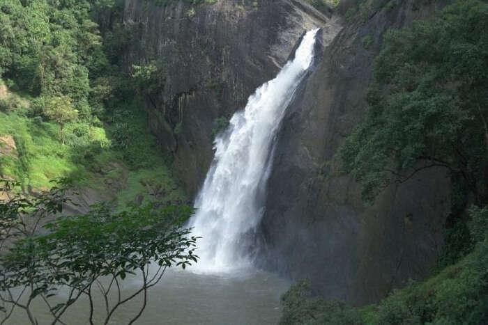 Dunhinda Falls View