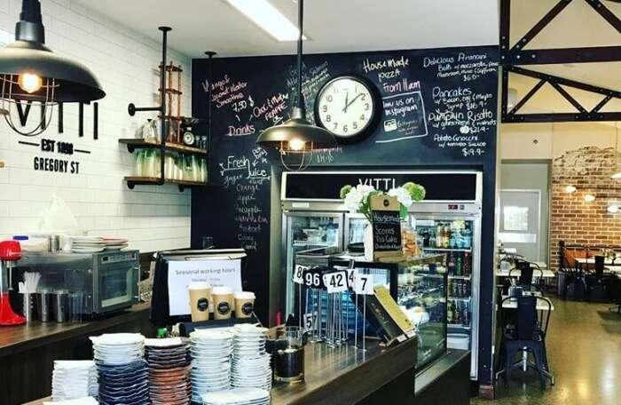 Vitti's Café