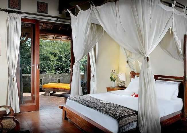 honeymoon suite in villa awang awang
