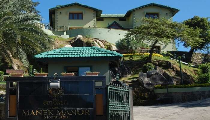 A view of the entrance at the Colonial Manek Manor hotel in Mount Abu