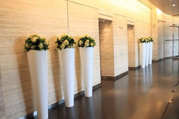 The lobby and lift area on one of the levels where Corporate suites of Burj Khalifa are located