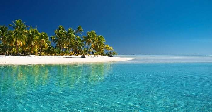Shimmering water at Cook Islands