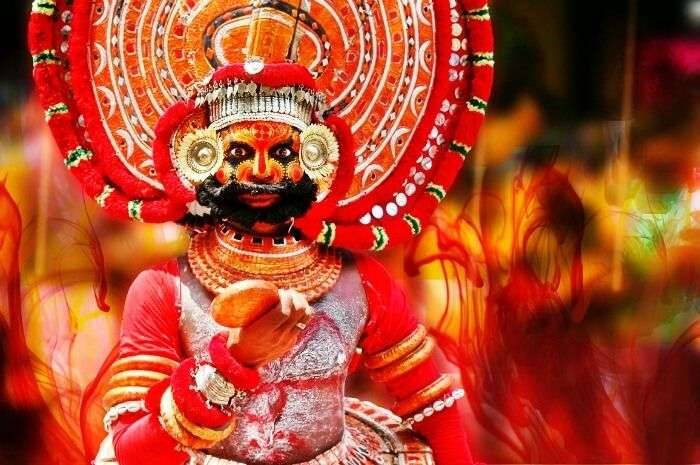 Watch a performance of Theyyam in Kerala Museum at Kochi