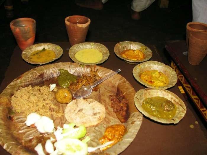 Eat at Dhabas on the Sikar Road, Jaipur