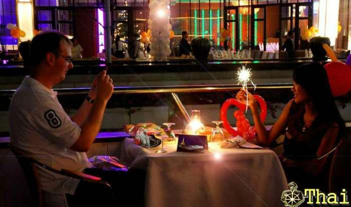 Candle light dinner by luxurious Grand Pearl Cruise, Bangkok
