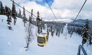 The scenic ride in one of highest cable car, Gulmarg