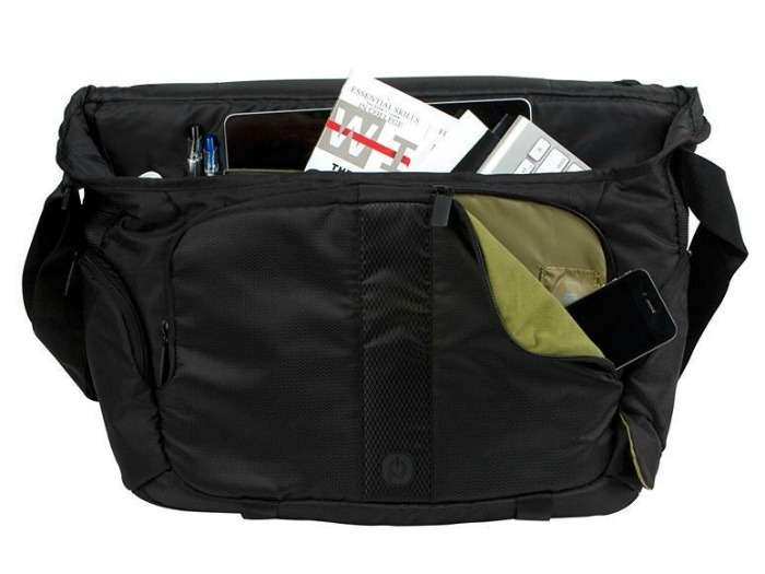 Instant Messenger bag to carry your travel accessories