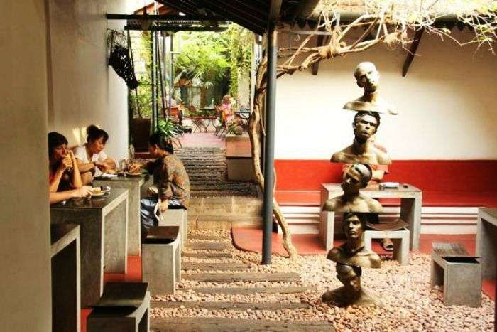 Kashi Art Café - an attractive place for western breakfast in Kochi