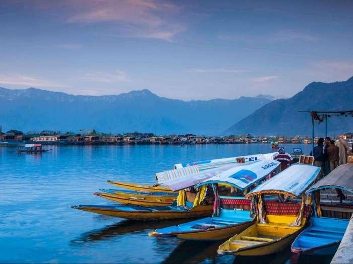 Shikaras in stunning Kashmir Valley (Srinagar, Gulmarg, Pahalgam)