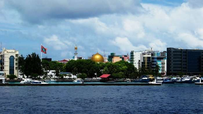 Two towns of Maldives, Malé and Seenu for a day trip