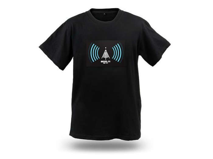Wi-Fi Detector Shirt makes travel easier by finding the nearby Wi-Fi signal
