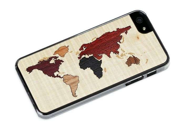 World Map on Phone Case is the best way to remember to plan for future travel