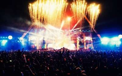 Go Goa to enjoy sunburn fun party with friends and family