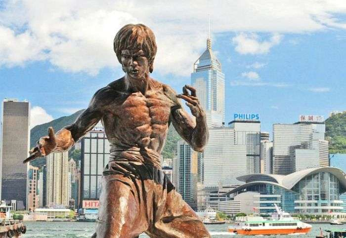 The Bruce Lee statue in Hong Kong