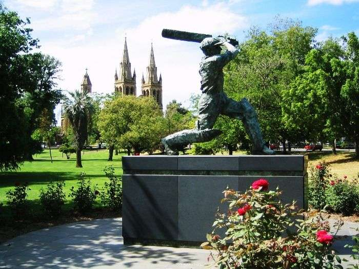 Don-Bradman-statue-at-Adelaide-Oval