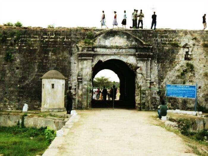 Jaffna fort is one of the key tourist spots in Sri Lanka