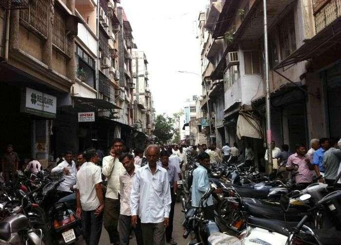 Mahidharpura Diamond market - elegant jewellery stores in Surat